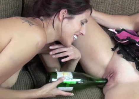 Lavender's fucking Liisa with a big bottle